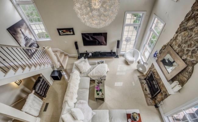 Living room with porcelain tile